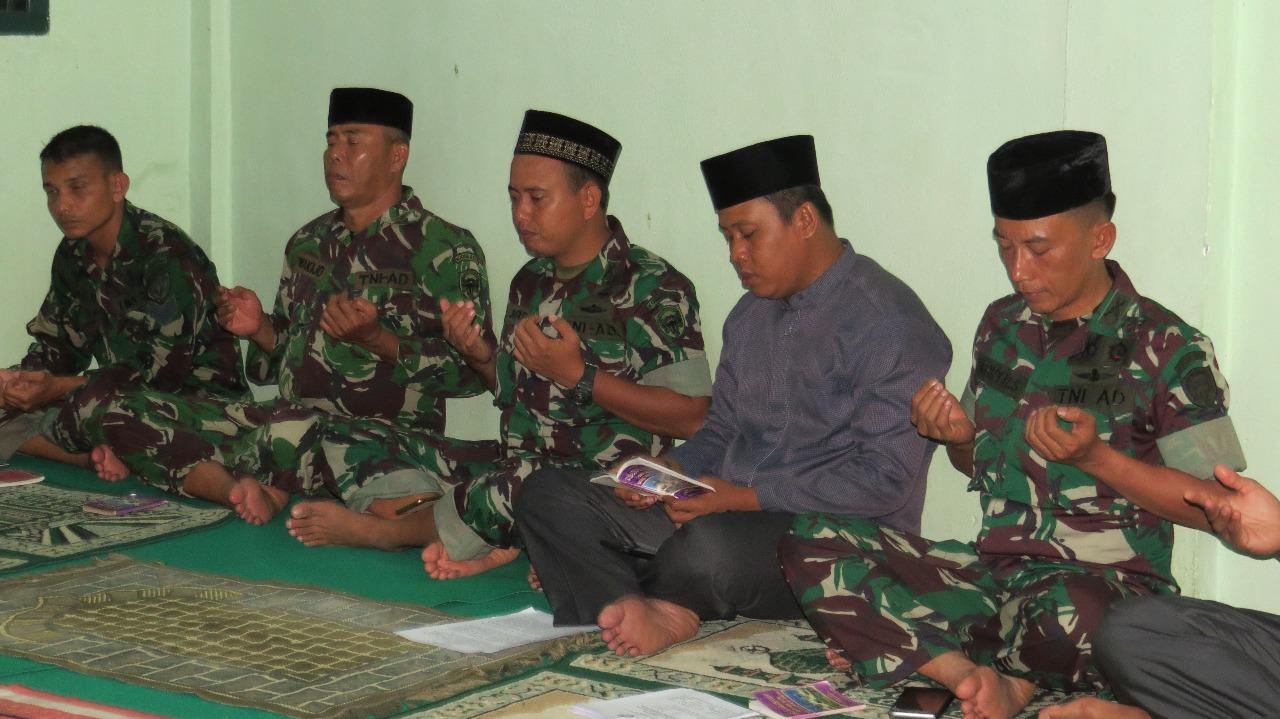 KODIM 0105/ABAR SAMBUT MALAM PERGANTIAN TAHUN BARU DENGAN YASINAN DAN DOA BERSAMA