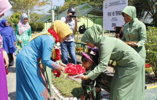 Istri Wakil Gubernur Aceh Kunjungi Mayonif 115/ML