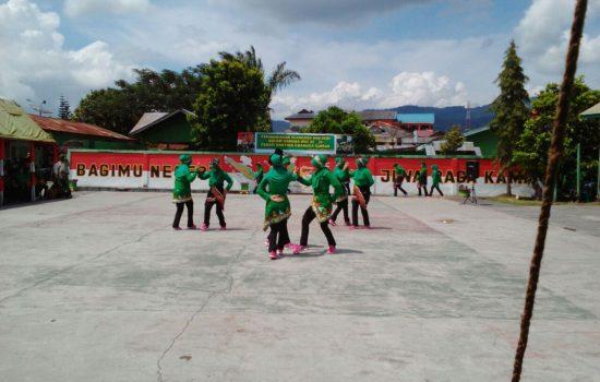 Persit KCK Cab. XXII Dim 0106/Ateng Ramaikan HUT-72 Dengan Senam Tobelo