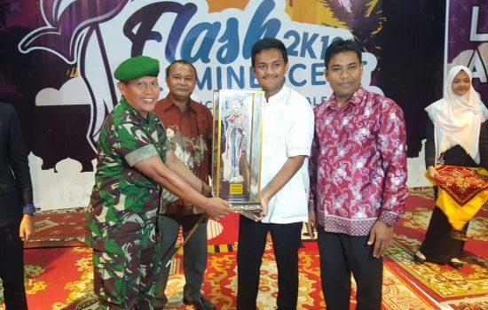Danrindam IM Serahkan Piala Bergilir Juara Umum Flash Luminescent  2018