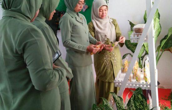 Ny. Yosi Hafil Fuddin Apresiasi Hasil keterampilan Persit Kodim 0110/Abdya