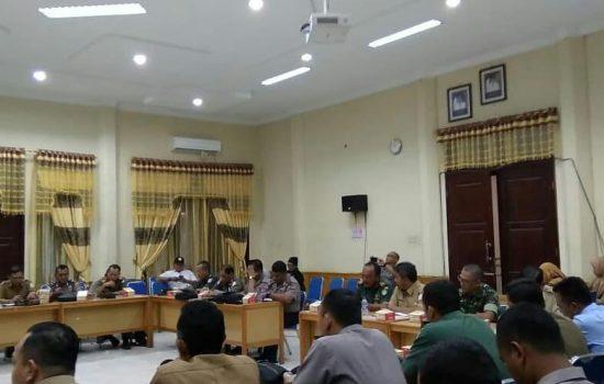 Kasdim 0117/Atam Hadiri Rapat Tentang Alat Peraga  Kampanye di Aula Sekda Aceh  Tamiang