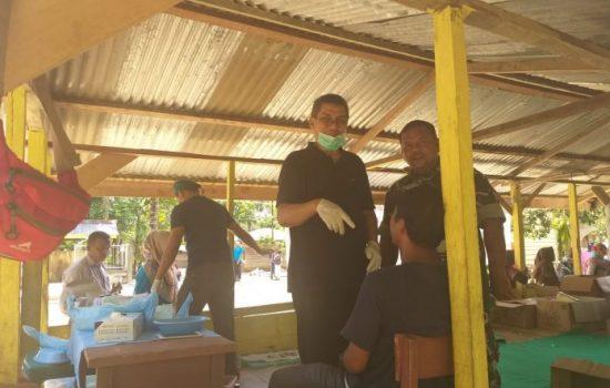 Tim PKB Dikawal Babinsa Ramil 10/Spj Ke Wilayah Terisolir