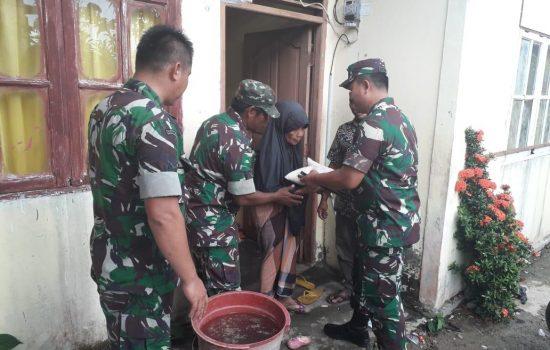 Dandim Aceh Jaya bagikan Sembako untuk Warga