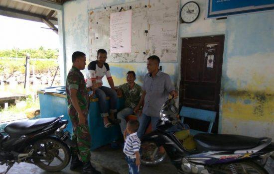 Silaturahmi Dengan Panglima Laot, Babinsa Ingin Nelayan Asing Didata
