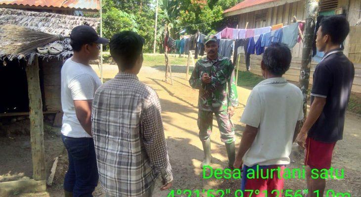 Babinsa Koramil 05/Thu Laksanakan Komsos Bersama Masyarakat Desa Binaan