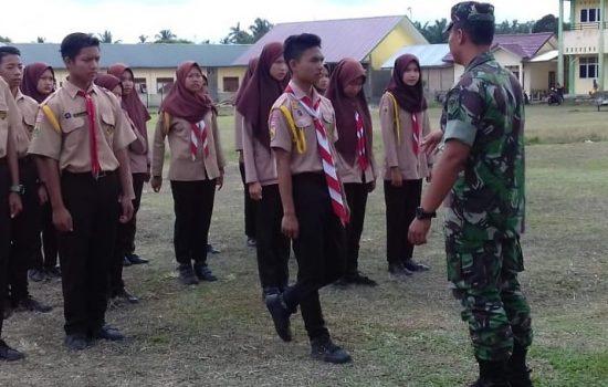 Babinsa Koramil 01/KSP Latih PBB Anak Pramuka