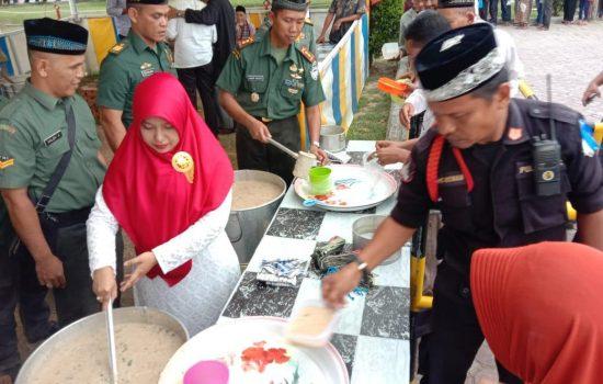 Berbagi Berkah Ramadhan, Dandim 0103/Aut Bagikan Takjil Gratis