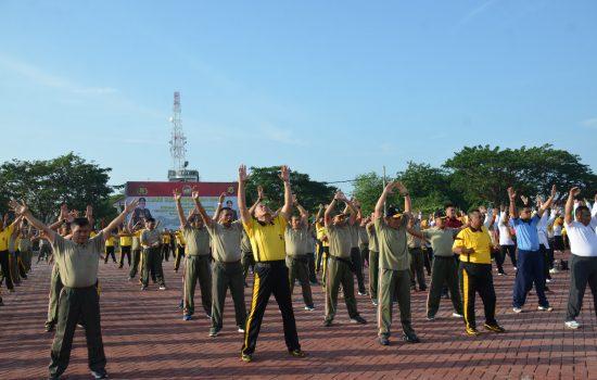 Pangdam IM Olah Raga Bersama TNI/POLRI di Polda Aceh