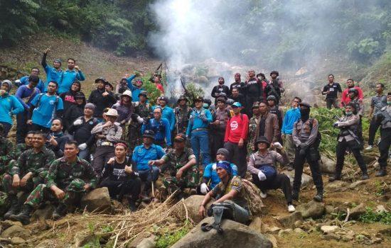 Personil Kodim 0107/Aceh Selatan Bantu BNN Musnahkan 15 Ton Ganja Basah di Bakotim