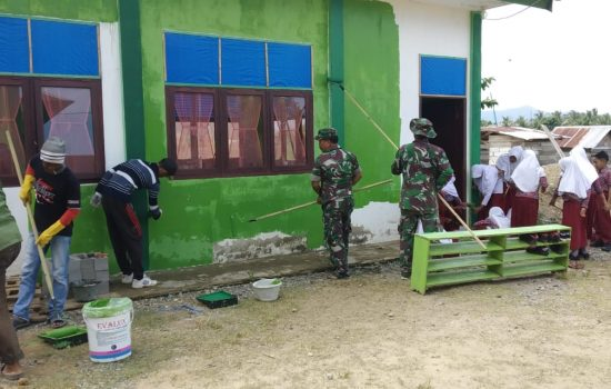 Kodim Aceh Jaya Lanjutkan Pengecatan Pesantren Istiqamatuddin Miftahul Ulum