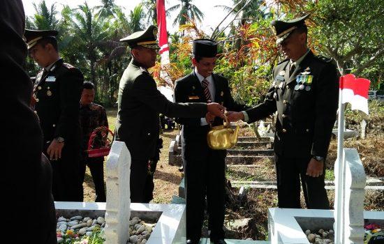 Dandim 0111/Bireuen Bersama Forkopimda Bireuen Ziarah ke Makam Kolonel Husein