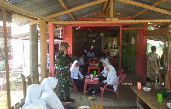 Babinsa Panga Himbau Siswa Bijak Gunakan Medsos