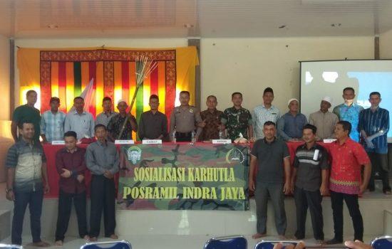 Sosialisasi Karhutla, Posramil Indra Jaya Perkenalkan Alat Pemadam Tradisional
