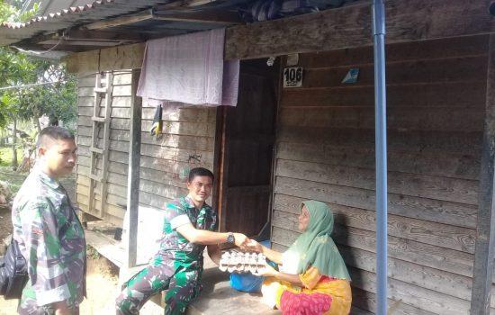 TNI Sisihkan Gaji Bantu Warga Lansia