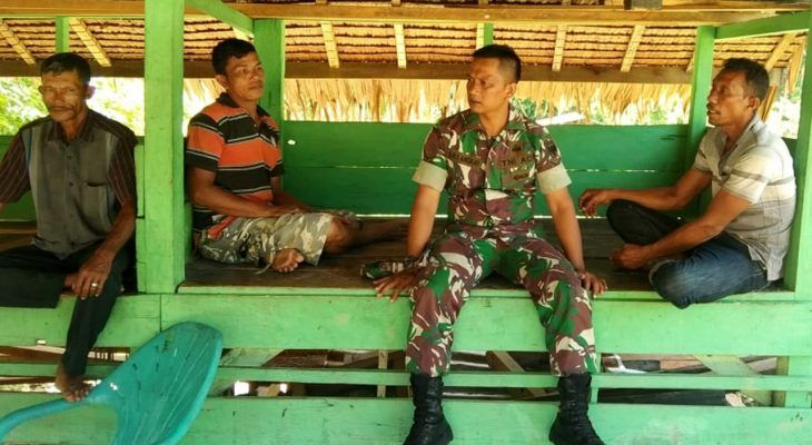 Babinsa Koramil 04/Lhg Himbau Masyarakat Laporkan Setiap Kejadian di Wilayah