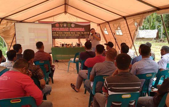 Warga Desa Plue Pakam Sangat Antusias Menerima Penyuluhan tentang Bahaya Narkoba dari Anggota Satgas TMMD dan BNN Lhokseumawe