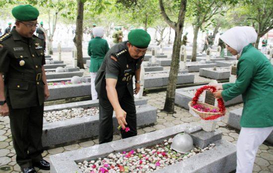 Kakesdam IM Pimpin Ziarah di TMP Banda Aceh