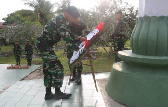 Keluarga Besar Yonif Raider Khusus 111/KB Ziarah ke TMP Kota Langsa