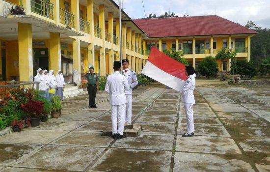 Danramil 01/Lamno Upacara di MAS Jaya