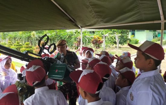 SD Negeri 9 Dewantara Kunjungi Detasemen Arhanud-001/CSBY