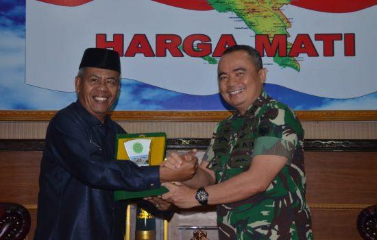 Pangdam IM Terima Audensi Ketua Mahkamah Syari'yah Provinsi Aceh