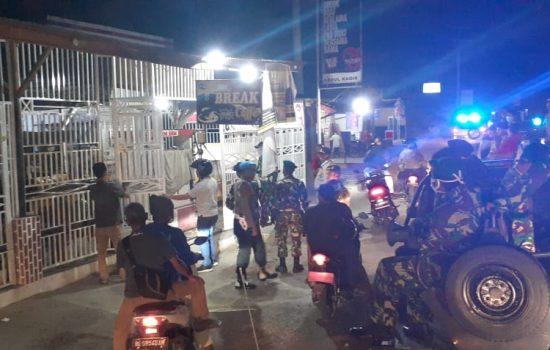 Penerapan Jam Malam, Tim Gabungan Melakukan Patroli di Aceh Tamiang