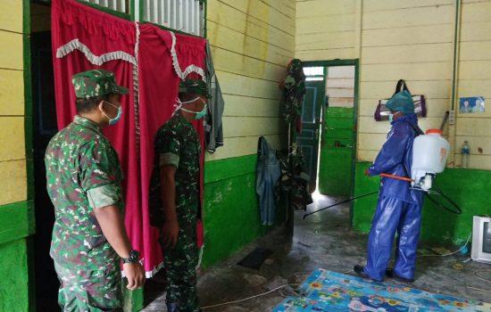 Cegah Virus Corona, Dandim Aceh Singkil Perintahkan Jajarannya untuk Lakukan Penyemprotan Desinfektan