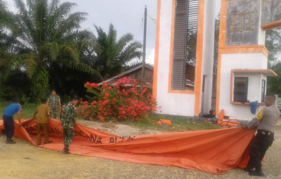 TNI/Polri dan Pemda Aceh Selatan Dirikan Posko Pemantaun Suhu Tubuh di Perbatasan