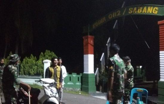 Personel Kodim 0112/Sabang Sosialisasikan Jam Malam
