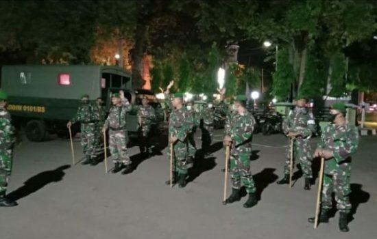 Cegah Penyebaran Corona, Kodim 0101/BS Kerahkan Personel Patroli Jam Malam di Banda Aceh