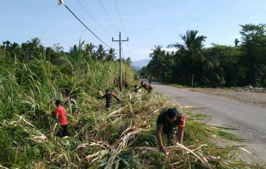Cipta Lingkungan Bersih, Babinsa Kodim 0107 dan Masyarakat Karya Bhakti Bersama