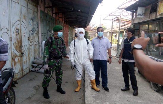 Muspika Kota Kuala Simpang Lakukan Penyemprotan Desinfektan