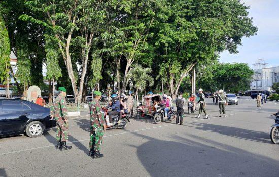 Tim Gabungan Razia Masker di Banda Aceh