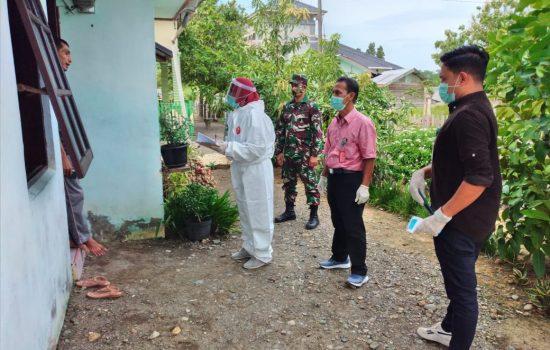 Babinsa dan Tim Medis Cek Kesehatan TKI dari Malaysia