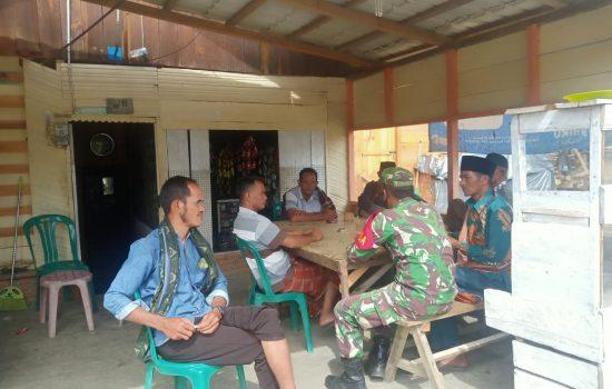 Babinsa Koramil 05/Pining Melaksanakan Komsos Dengan Perangkat Desa Uring