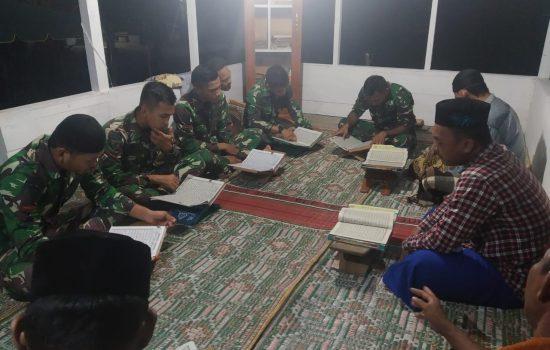 Berbaur dengan Warga, Satgas TMMD Kodim Nagan Raya Ikuti Pengajian di Lokasi TMMD