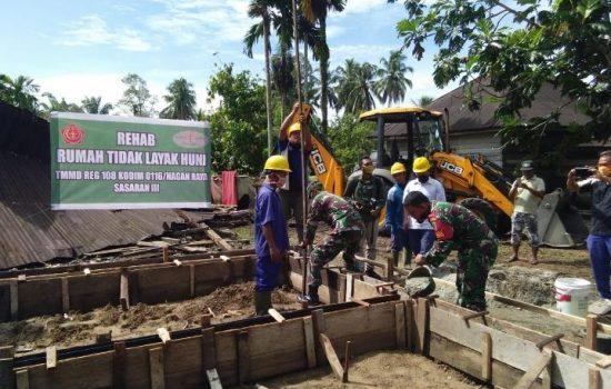 Peletakan Batu Pertama RTLH Poniyem Program TMMD Kodim Nagan Raya