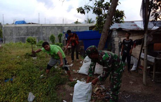 Babinsa Koramil 24/Lembah Seulawah Gotong Royong Ditengah Pandemi