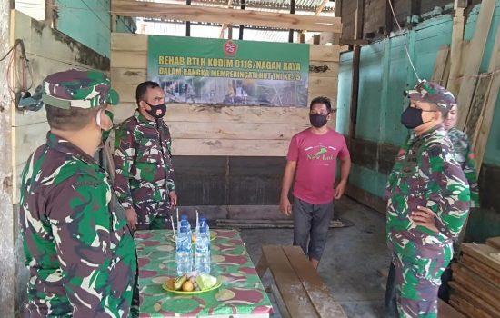 Sambut HUT TNI ke-75 Kodim Nagan Raya Rehab Rumah Tidak Layak Huni