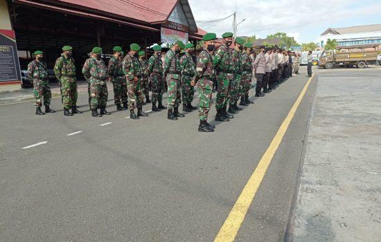 Anggota Kodim 0102/Pidie mengikuti Apel Gabungan Di Polres Pidie Dalam Rangka Penertiban Meriam Bambu