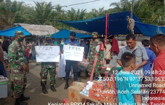 Lakukan Operasi PPKM Mikro, Babinsa Tromon Bersama Unsur Terkait Turun ke Pasar Tradisional