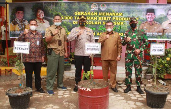 Dandim Agara, Ikuti Gerakan Menanam 10.000 Tanaman Bibit Produktif