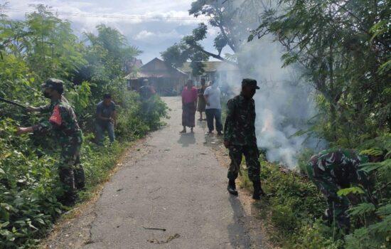 Koramil 06/Babul Rahmah Melaksanakan Gotong-royong di Desa