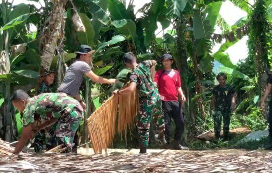 Rumahnya dirobohkan TNI ; Yusnidar merasa gembira sekaligus terharu