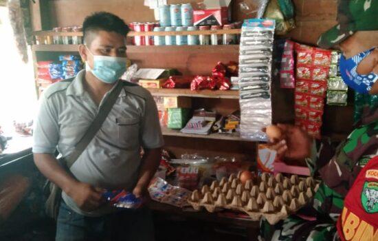 Babinsa Pantau Harga Sembako di Pedagang Kaki Lima