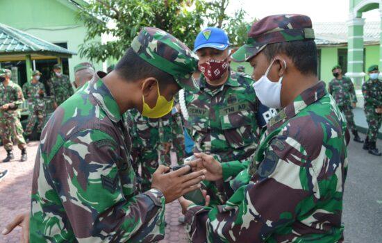 Cegah Judi Online, Dandim 0103/Aceh Utara Kumpulkan Prajurit Lalu Razia HP