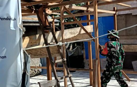 Babinsa pos ramil 07/Teupah barat bantu pembangunan RTLH milik warga binaan