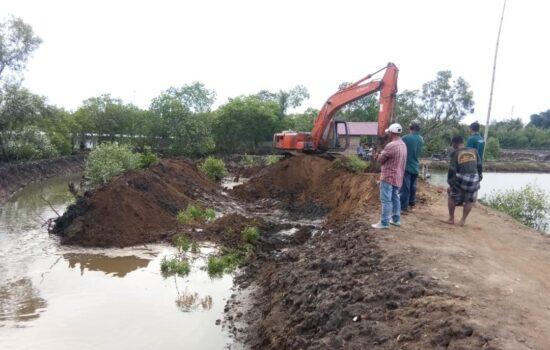 Alat berat Excavator Mewarnai Kegiatan Satgas TMMD Ke 112 Kodim 0103/Aceh Utara.