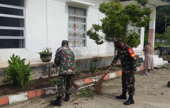 Cipta Kenyamanan dan Kebersihan, Koramil 06/KU Gotong Royong di Perkarangan Kantor Puskesmas Kluet Utara